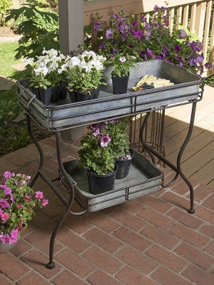 Planters & Plant Stands