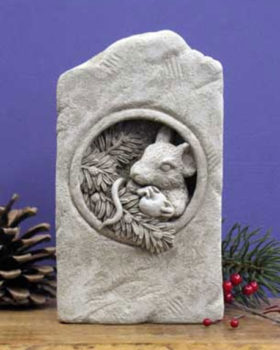 552A-Berry-Mouse-Aged-Stone-Plaque